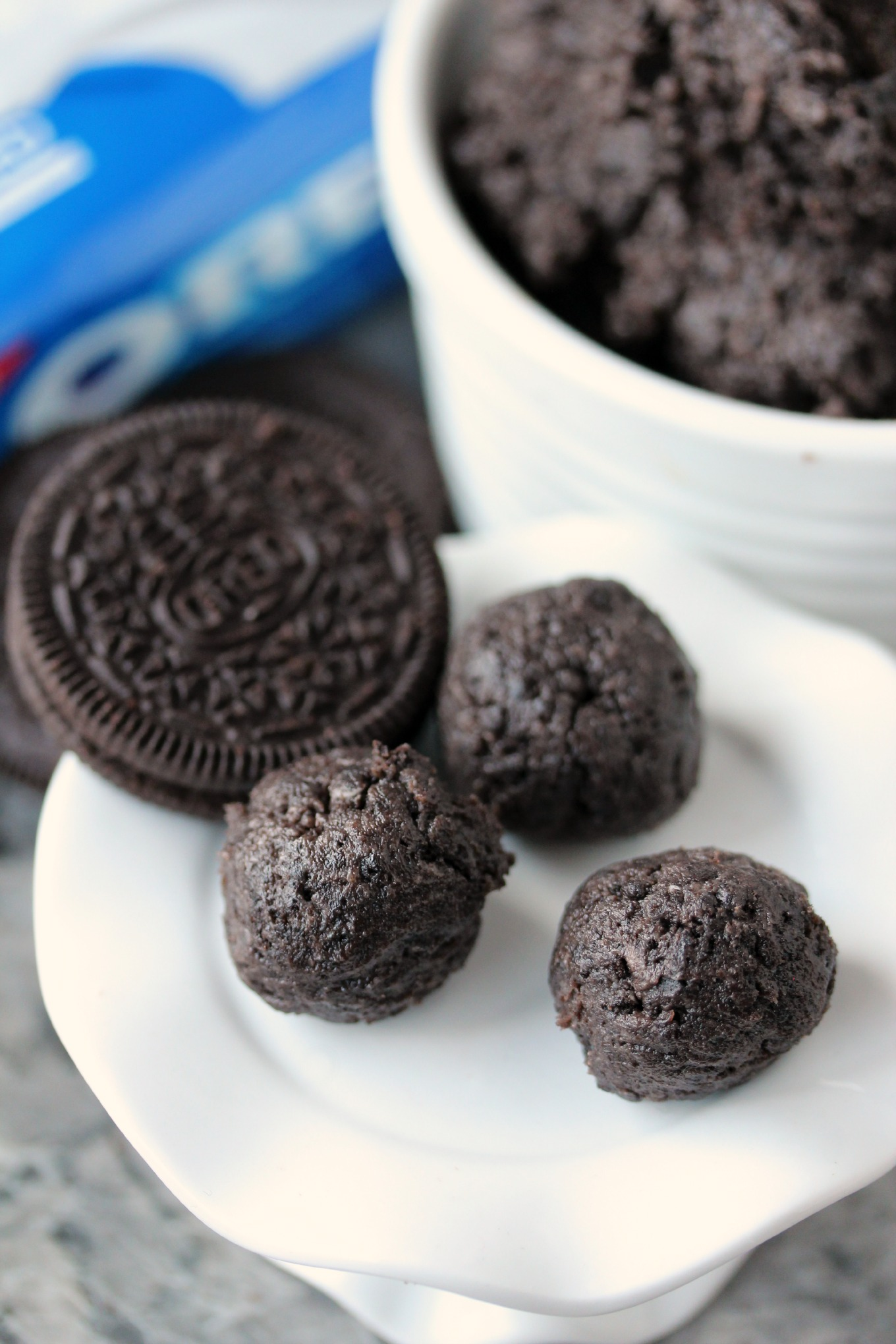 OREO-Cookie-Balls-Rolled-into-Balls-2